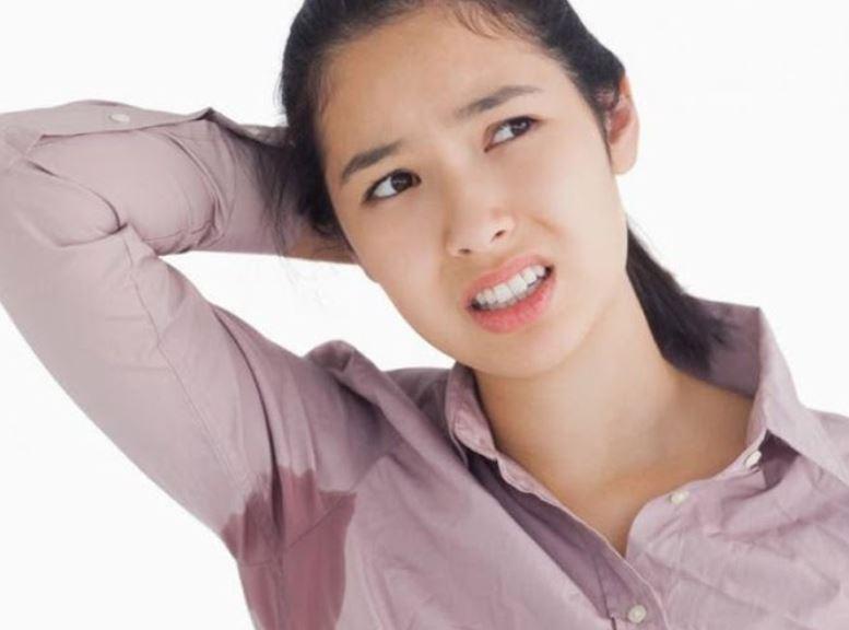 Mùi hôi nách ảnh hưởng nhiều đến cuộc sống, công việc của bạn